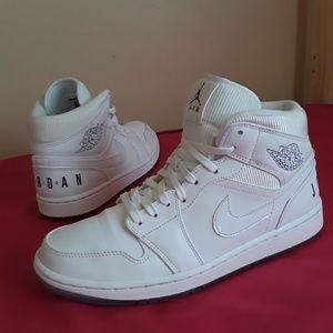 Men's Nike Air Jordan Mid All White BL Size 9